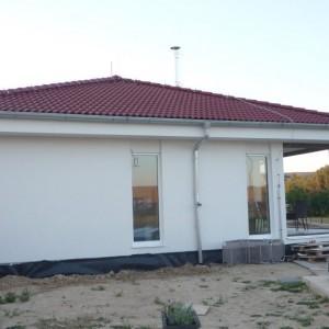 Přízemní bungalov v Křižanovicích. Nový rodinný dům před dokončením.