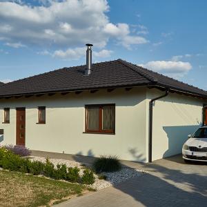 Světlý přízemní rodinný dům - dřevostavba