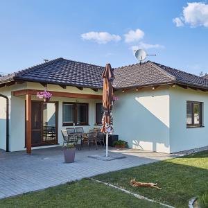 Světlý rodinný dům bez pater - dřevostavba od firmy Bajulus
