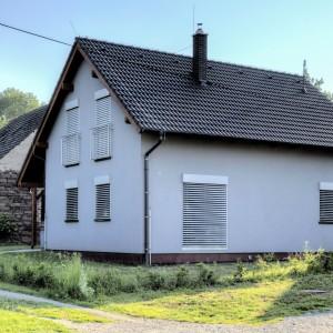 Nízkoenergetický podkrovní rodinný dům postavený jako dřevostavba