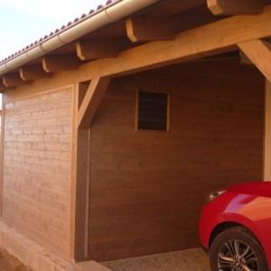 Příslušenství a prostor pro parkování u dřevostavby v Křižanovicích
